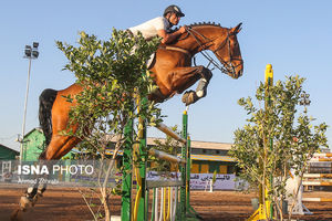 عکس/ مسابقات پرش با اسب در قم