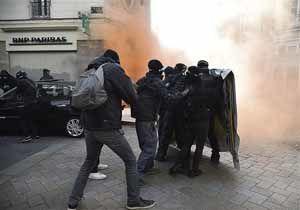 مخالفان خشمگین لوپن به تظاهرات پرداختند