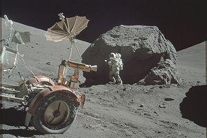 چین، انسان به ماه میفرستد
