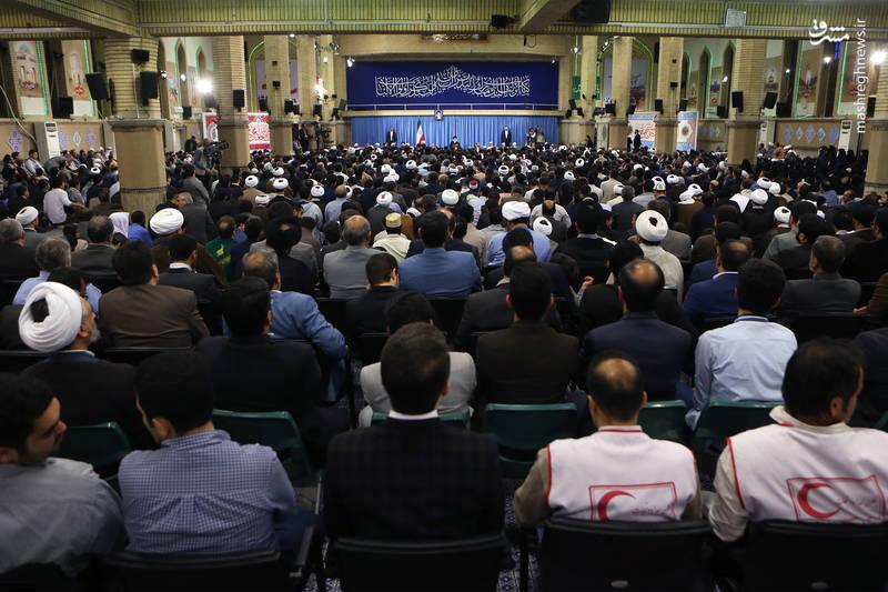 دیدار شرکت کنندگان مسابقات قرآن کریم با رهبر انقلاب