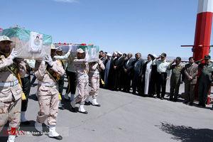 عکس/ استقبال از شهدای حادثه مرزبان در فرودگاه مشهد