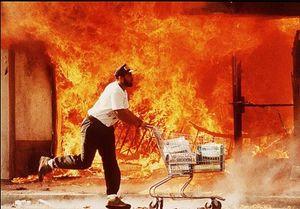 عکس/ خونبارترین شورش تاریخ لسآنجلس