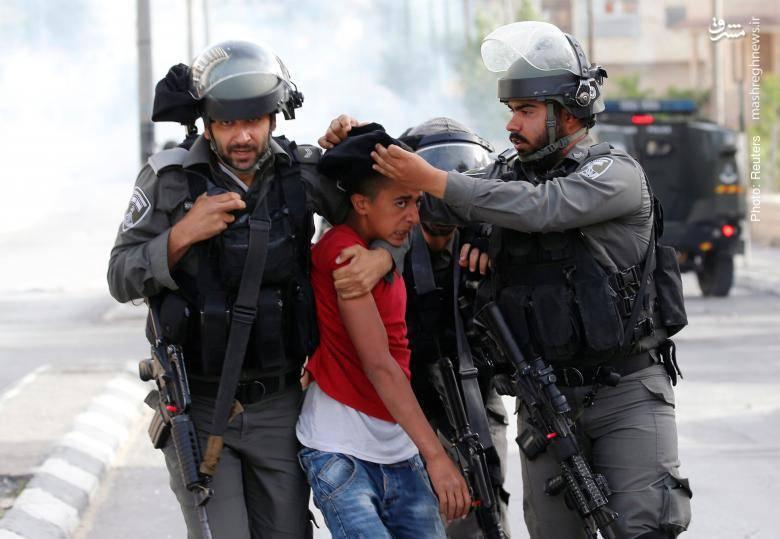 برخورد پلیس رژیم صهیونیستی با فلسطینیانی که برای ابراز همدردی با هموطنان زندانی خود در بیت لحم تظاهرات میکنند