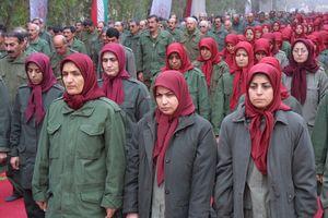 موضع منافقین درباره ارتباط زنان با نامحرم