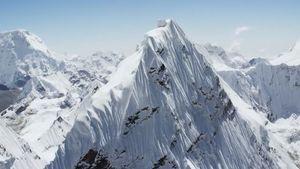 درآمد نپال از صعود کوهنوردان به اورست