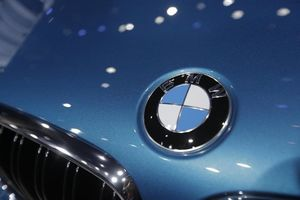 BMW کروک؛ ماشین عروس رایگان نیازمندان +عکس