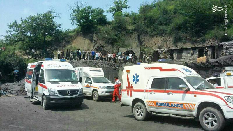 نیروهای امدادی در محل حادثه انفجار معدن زغال سنگ آزادشهر (استان گلستان)