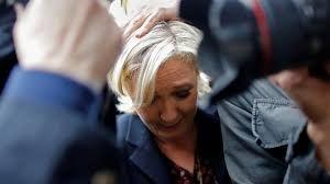 حمله با تخم مرغ به نامزد انتخابات ریاستجمهوری فرانسه