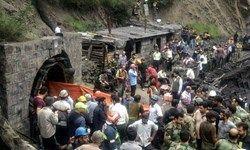 حفر کانال انحرافی برای دستیابی به اجساد کارگران معدن