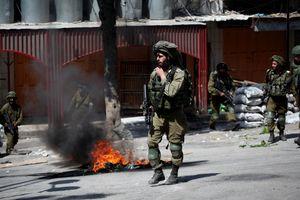 درگیری اهالی الخلیل با نیروهای امنیتی رژیم صهیونیستی+عکس