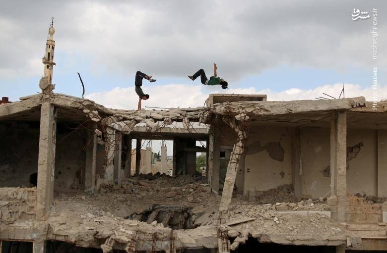 پارکور در خرابههای اطراف درعای سوریه