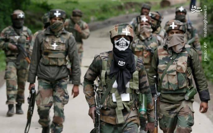جستجوی دهکده به دهکده در جنوب کشمیر توسط سربازان هندی با هدف یافتن جداییطلبان