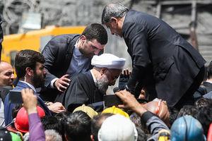 فیلم/ اعتراض شدید خانواده معدنچیان به روحانی