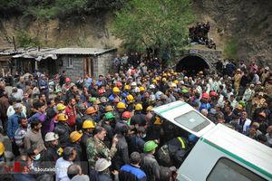 احتمال وجود هشت معدنچی دیگر در زیر آوار