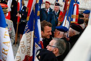 عکس/ دیدار رئیس جمهوری منتخب فرانسه با کهنه سربازان