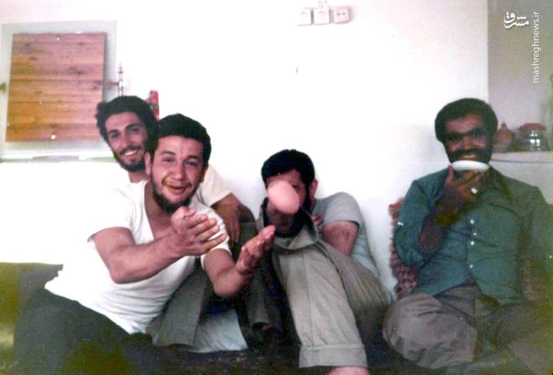 شهید «حاج حسین اسکندرلو»(نفر اول از چپ)