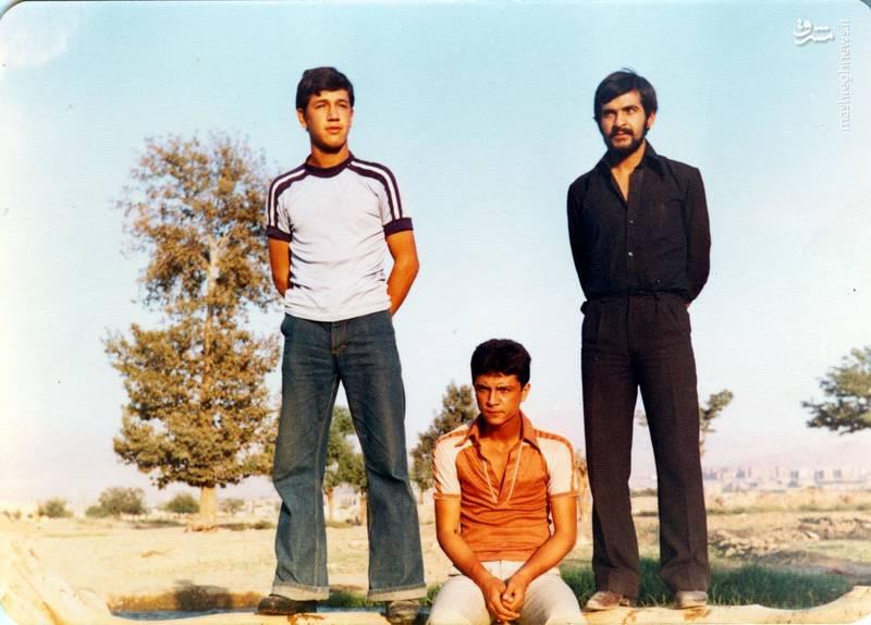 شهید «حسین اسکندرلو»(نفر اول از چپ)