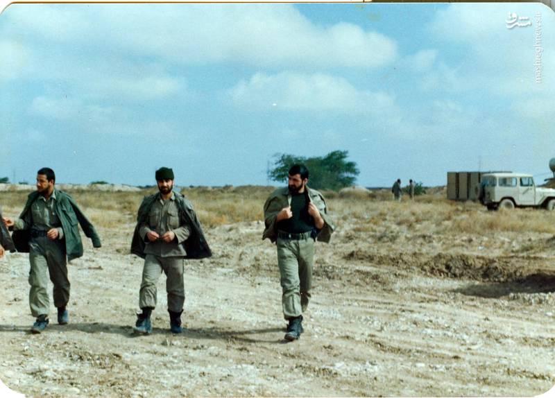 شهید «حاج حسین اسکندرلو» (نفر اول از چپ)