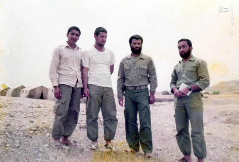 شهید «حاج کاظم نجفی رستگار»(نفر دوم از راست) و شهید «حاج حسین اسکندرلو» (نفر دوم از چپ)