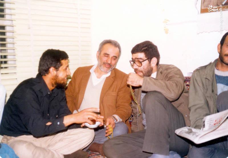 از راست: فتح الله نجف آبادی، پر شهید سن بهمنی و شهید «حاج حسین اسکندرلو»