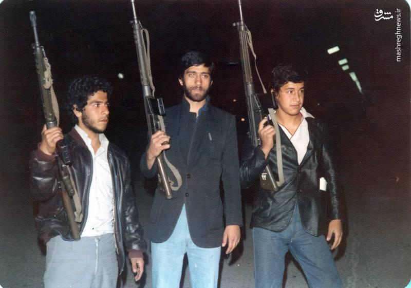 حسین اسکندرلو(نفر اول از راست) نخستین روهای پیروزی انقلاب اسلامی