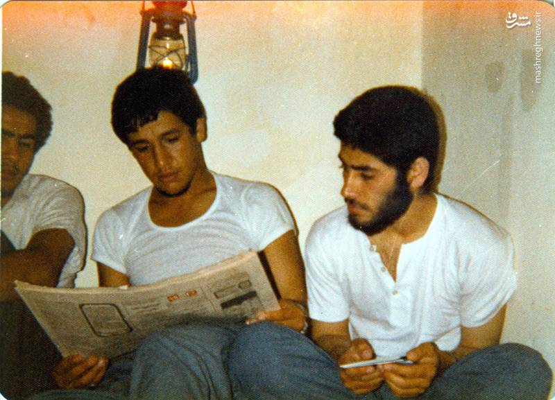 شهید «حسین اسکندرلو» (نفر وسط)