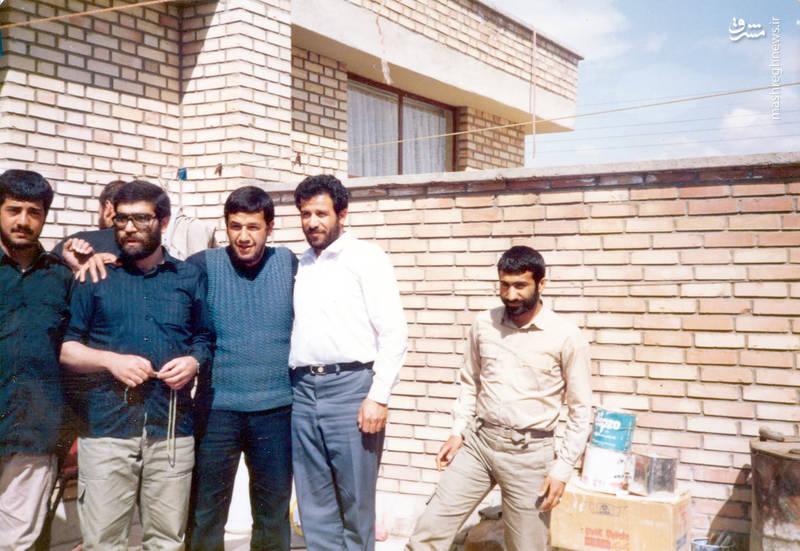 از راست: ناشناس، فتح الله نظری، شهید «حاج حسین اسکندرلو»، فتح الله نجف آبادی، شهید «حمید آرونی»