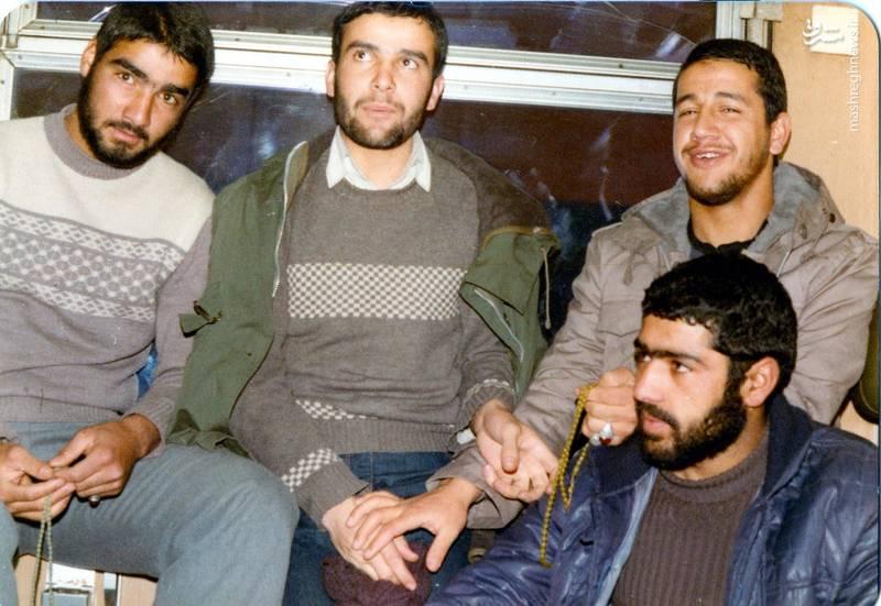شهید «حاج حسین اسکندرلو» (نفر اول از راست)