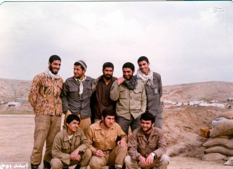 شهید «حاج حسین اسکندرلو»(ایستاده، نفر دوم از چپ)