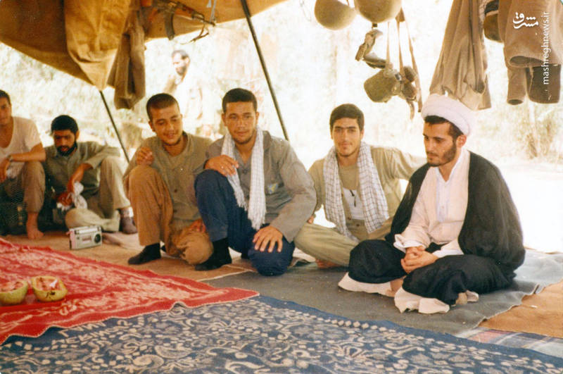 شهید «حاج حسین اسکندرلو»(نفر سوم از راست)