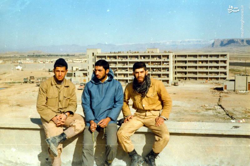 شهید «حاج حسین اسکندرلو»(نفر اول از راست)