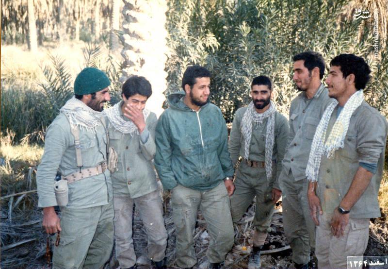شهید «حاج حسین اسکندرلو»(فر سوم از چپ)