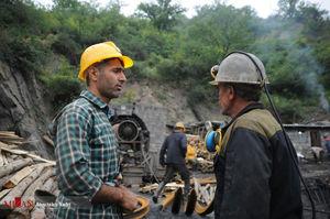 عکس/ تلاش برای خارج کردن آخرین معدنچی از معدن یورت