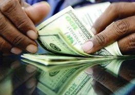 درآمد ارزی سالانه دولت یازدهم ۵۰ درصد بیشتر از دولت دهم/ دولت روحانی ۹۱۱ هزار میلیارد تومان درآمد ارزی داشته است +نمودار