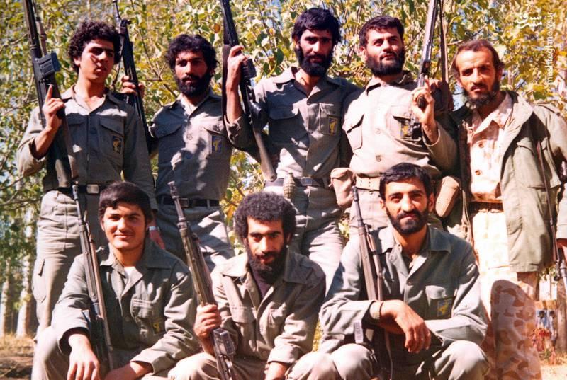 احمد بابایی(ایستاده، نفر اول از راست)، شهید علی اکبر حاجی پورامیر(ایستاده، نفر دوم از راست)، شهید سید ولی جناب(ایستاده، نفر دوم از چپ)، حاج احمد متوسلیان(نشسته، نفر اول از راست)