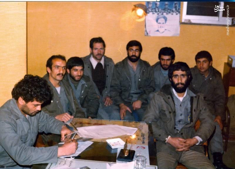 احمد بابایی(نفر دوم از چپ)، شهید علی اکبر حاجی پورامیر(نفر اول از چپ)