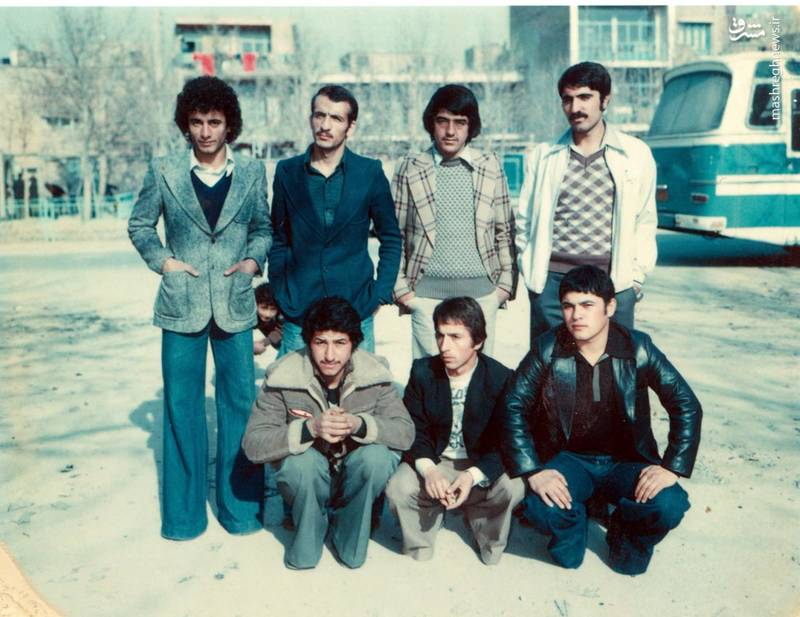 احمد بابایی (ایسته، نفر دوم از چپ)