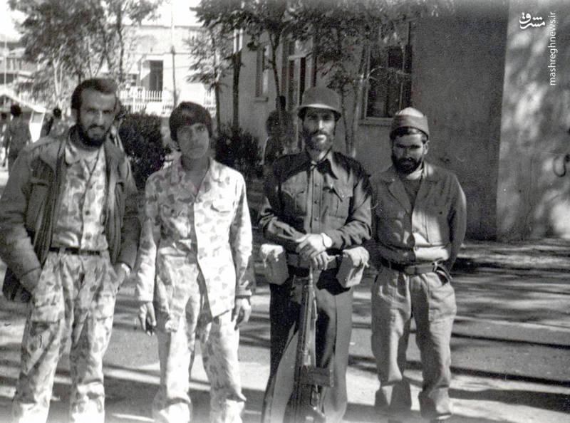 شهید احمد بابایی(نفر اول از چپ)