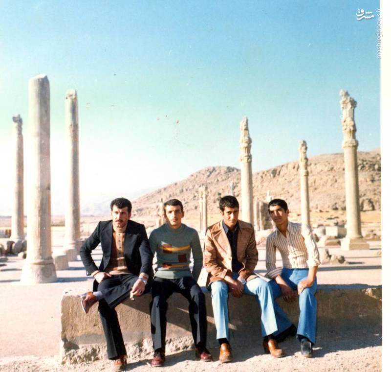 احمد بابایی (نفر دوم از چپ)