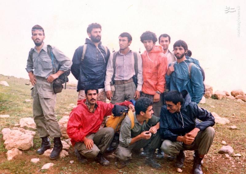 احمد بابایی(ایستاده، نفر اول از چپ)، شهید علی اکبر حاجی پورامیر(ایستاده، نفر دوم از چپ)، شهید بهمن نجفی(نشسته، نفر اول از راست)