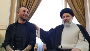 فیلم/ دیدار امیر تتلو با رئیسی