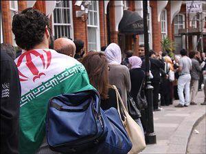 عکس/ صف دانشجویان ایرانی برای دادن رای در نیوزلند
