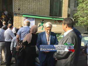 عکس/ هاشمی طبا در صف رایگیری