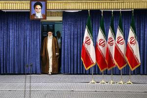 عکس/ حضور رهبرانقلاب پای صندوق رای