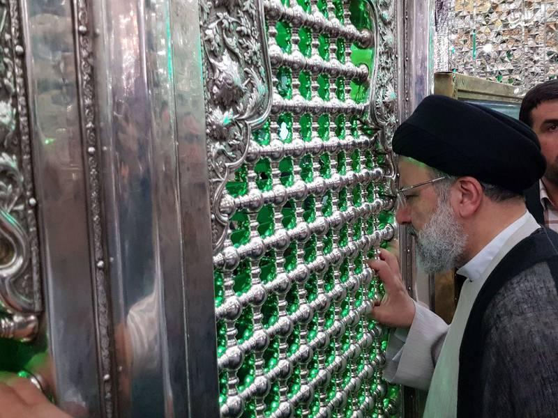 عکس/ رئیسی پس از انتخابات در حرم حضرت عبدالعظیم