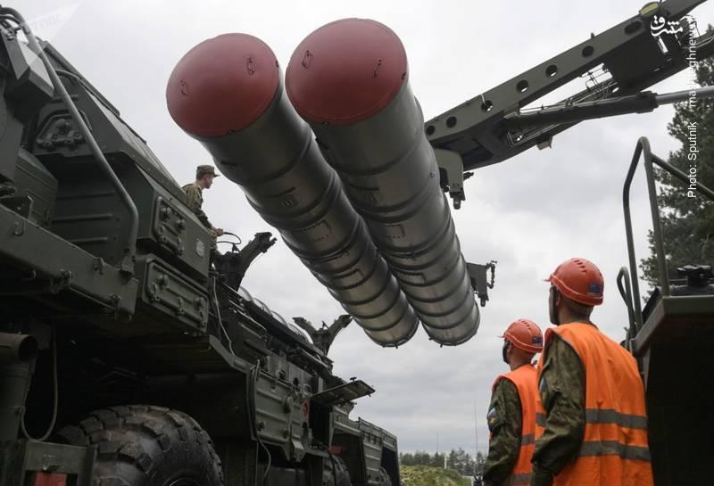 سامانه اس-400 در تمرین نظامی نیروی ضدهوایی روسیه در حوالی مسکو