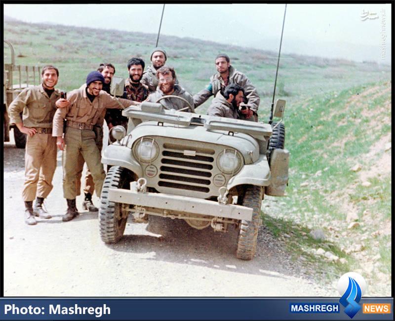 شهید محمد بروجردی(پشت فرمان جیپ)