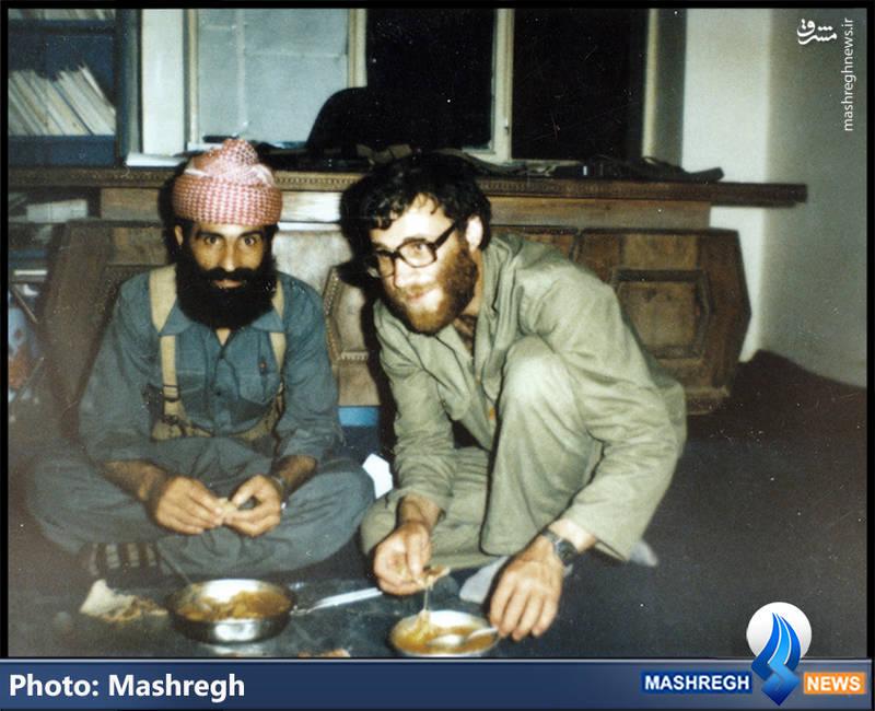 شهید محمد بروجردی(نفر سمت راست)