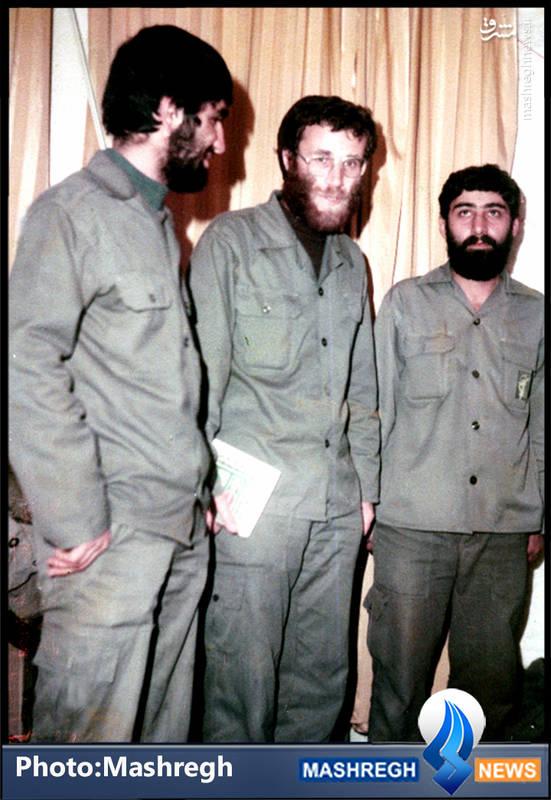 شهید محمد بروجردی(نفر وسط)