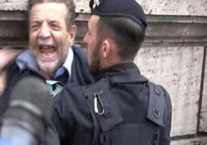 فیلم/ برخورد پلیس با فعالان ایتالیایی ضد آمریکایی